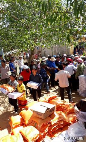 Cứu trợ tại Thị trấn Krông Năng, Tỉnh ĐăkLăk
